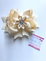 "4.5"" Flower Middle Bow Clip - Cream"