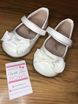 Mary Jane Bow Shoes - White