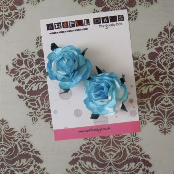 Large Mulberry Paper Blue/White roses (PF004)