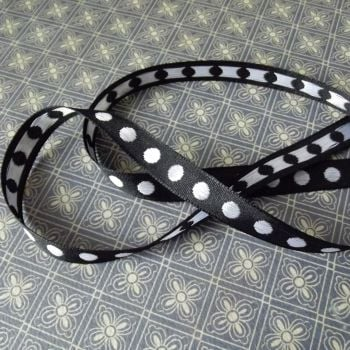 Extra ~ Black & White Dot ribbon