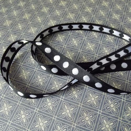 Extra ~ Black & White Dot ribbon