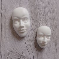 White Resin Faces (R7004)