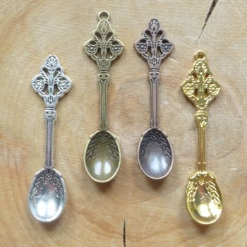 Assorted Colour Mini Spoons (C087)