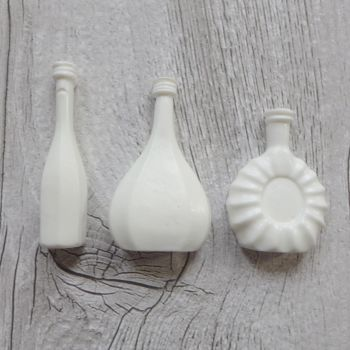 White Resin Bottles (R7008)