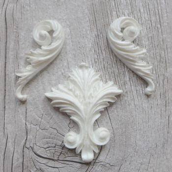 White Resin Flourishes Set (R7013)