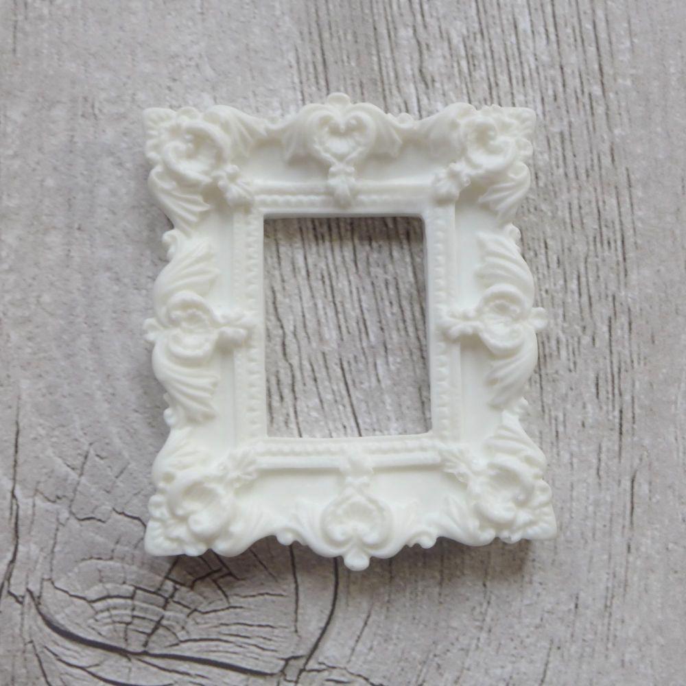 White Resin Frame Rectangle (R7018)