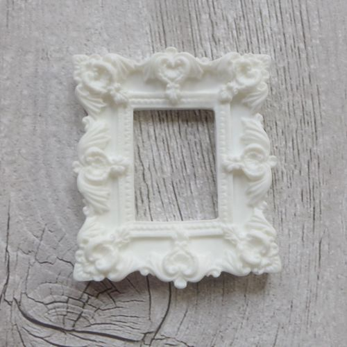 White Resin Frame Rectangle (R7018)