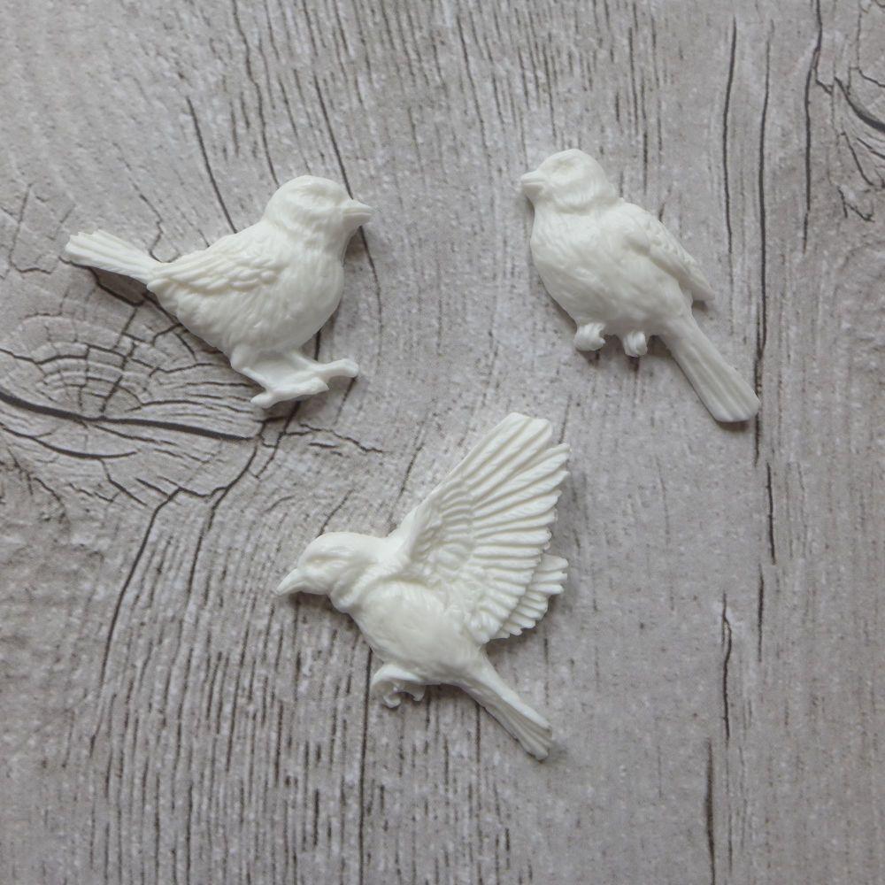 White Resin Bird Trio (R7035)