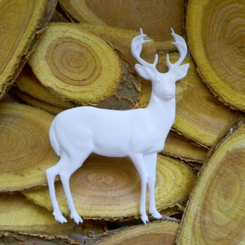 White Resin Reindeer (R7047)
