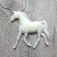 White Resin Unicorn (R7016)