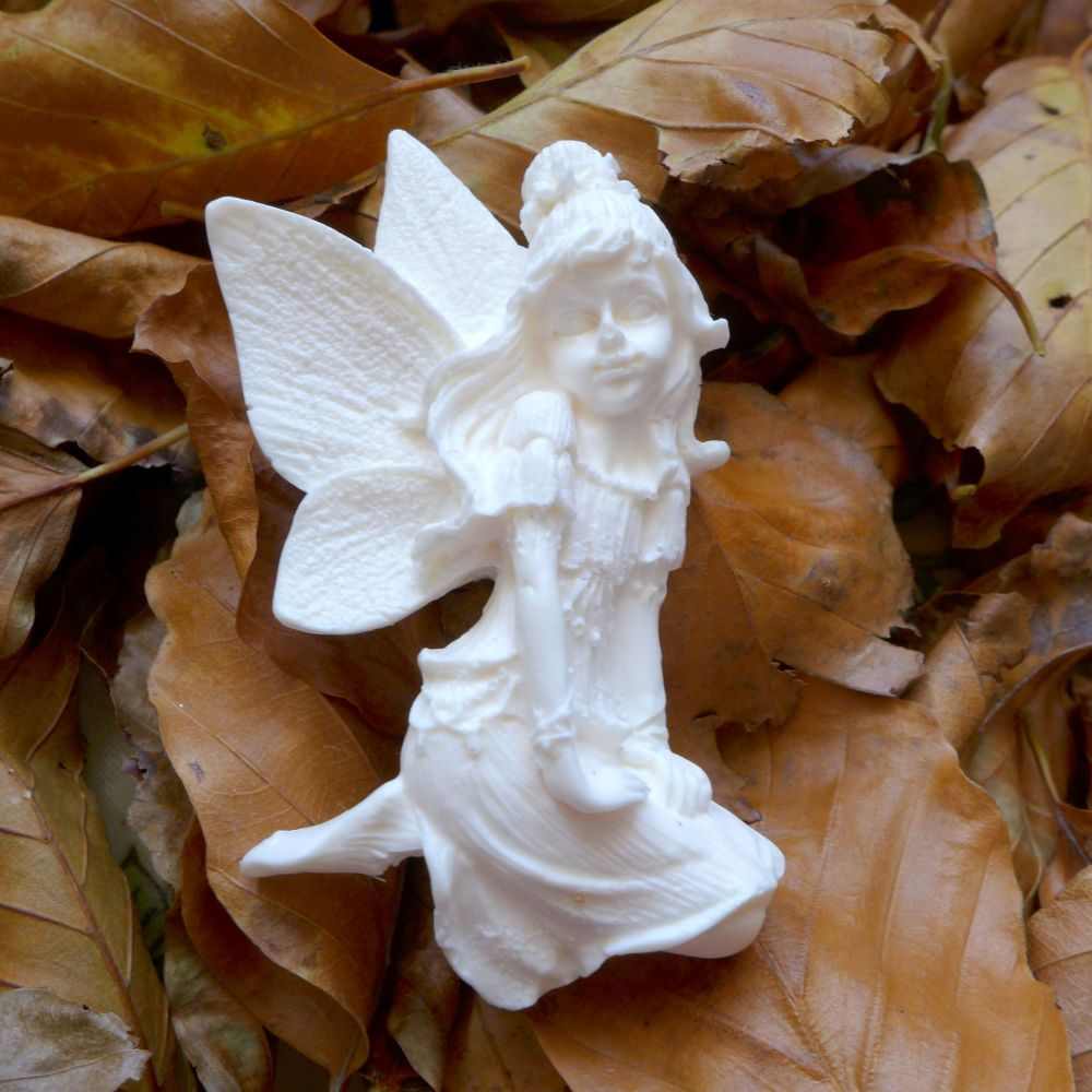 White Resin Fairy (R7051)