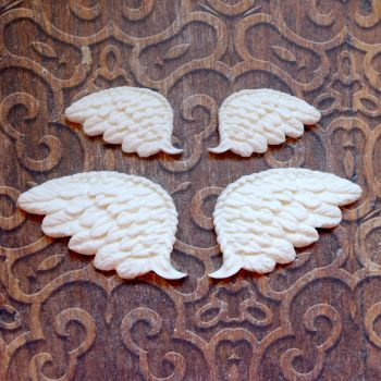 White Resin Wing Set (R7028)