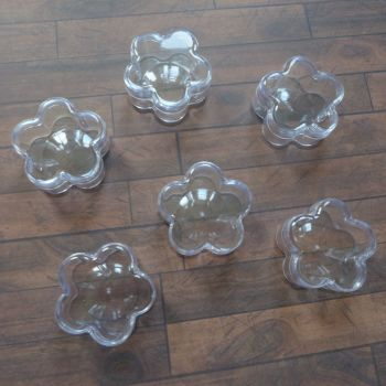 Clear Flower Shaped Pots - Set of 6 - 3 x 1.8cm