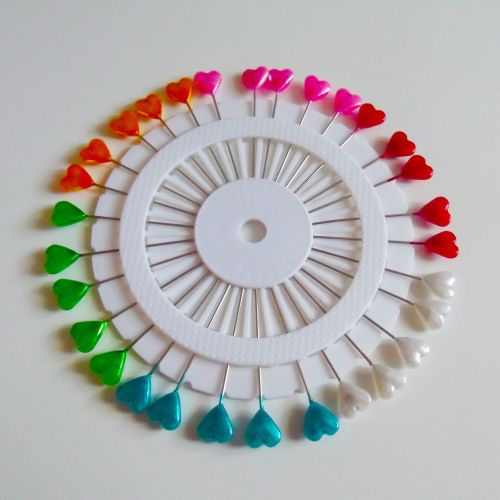 Coloured Pin Wheel - Hearts - 30 Pins
