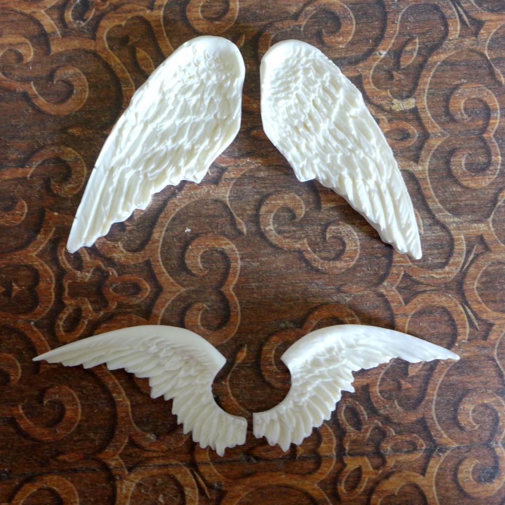 White Resin Winged Duo (R7053)