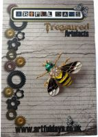 Treasured Artefacts - Flying Friends Bee (TA205)