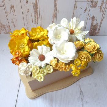 Artful Days Boxed Flowers - Colour Blend Yellows