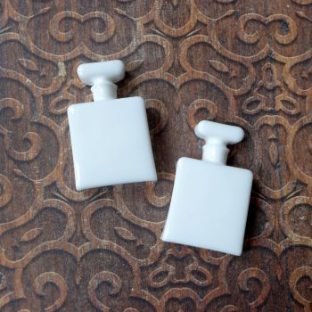White Resin Square Bottles (R7025)