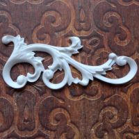 White Resin Flourish (R7043)