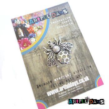 Treasured Artefacts - Buzzing Bee (TA200)