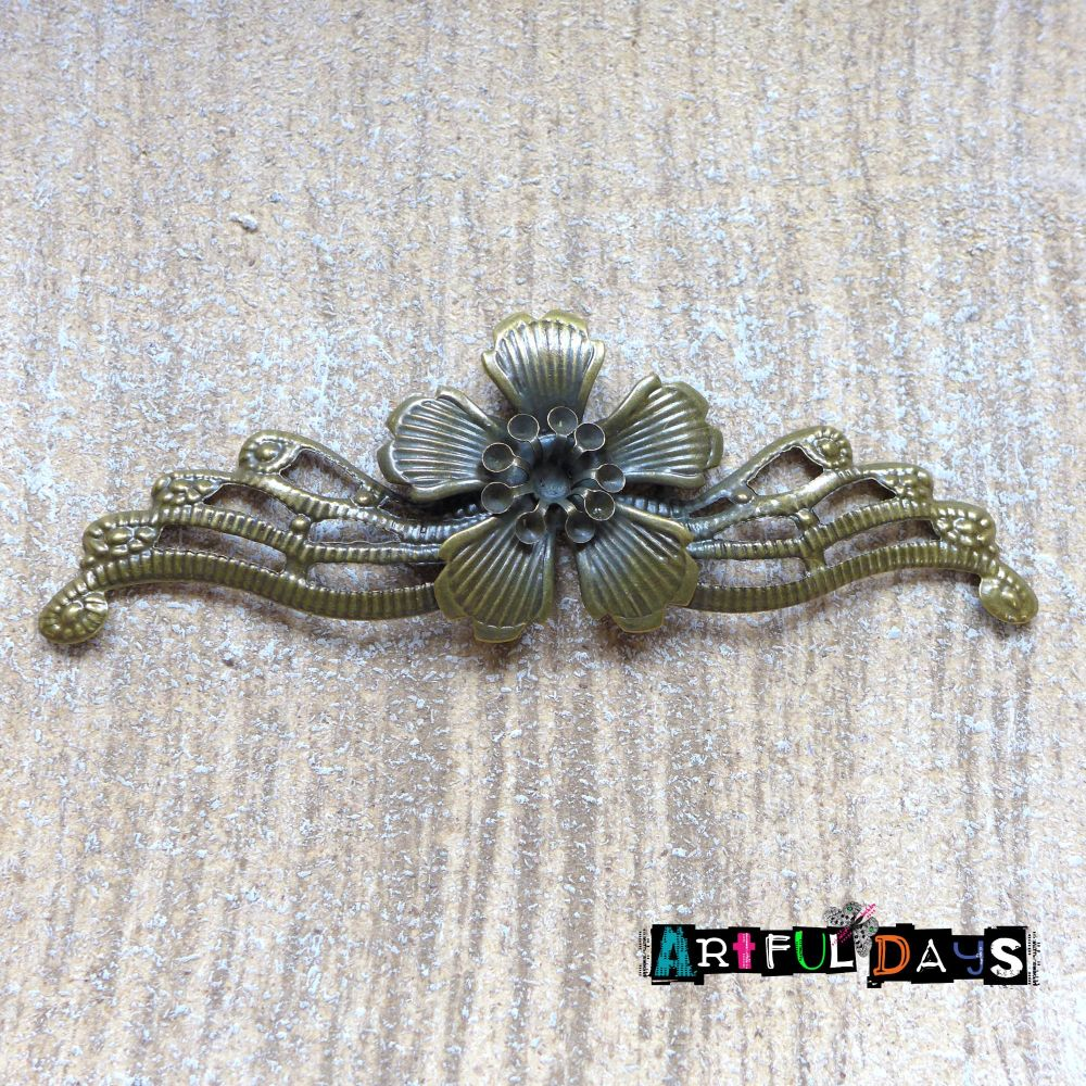 6 Petal Bronze Metal Flower (C112)