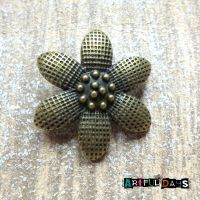 Beautiful Bronze Flower Charm (C125)