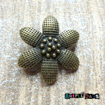 Beautiful Bronze Flower Charm (C125)