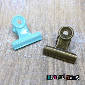 Bronze & Patina Metal Clips  (C131)