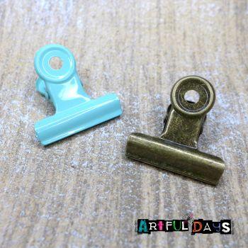 Bronze & Patina Metal Clips  (C131)