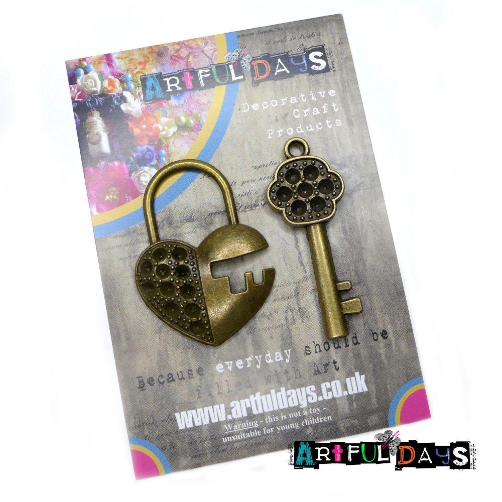 Treasured Artefacts - Key & Heart Lock (TA203)