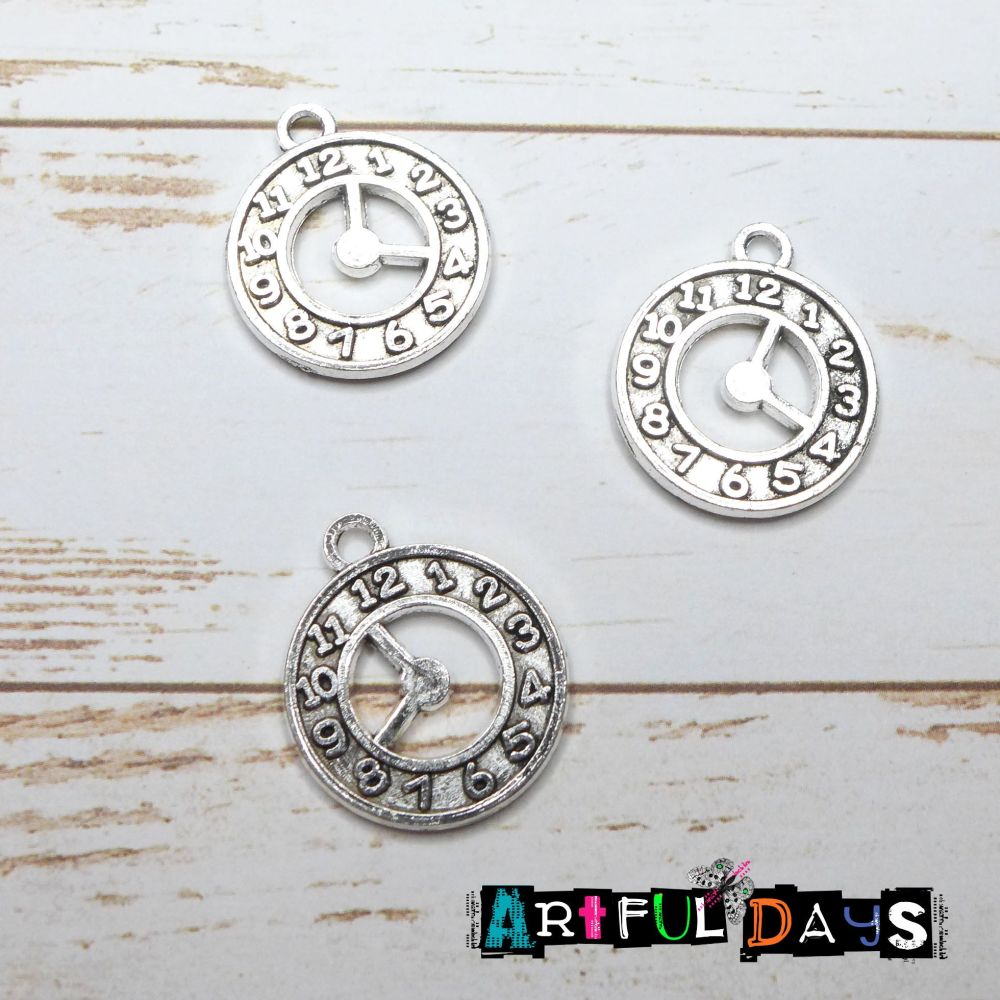 Silver Clock Charms (C039)