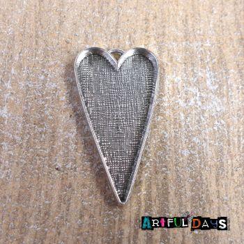 Silver Heart Bezel Frame (C051)