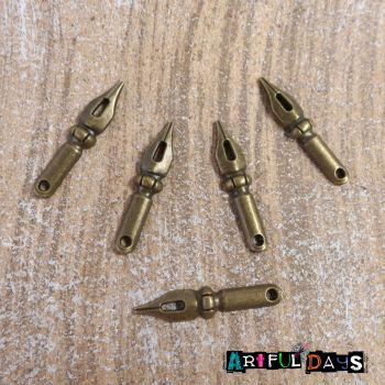 Bronze Pen Nib Charms (C047)