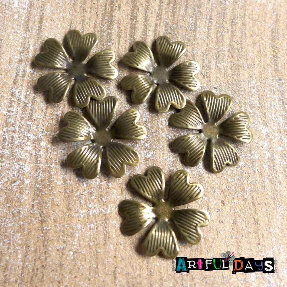 Bronze Heart Petal Flowers (C016)