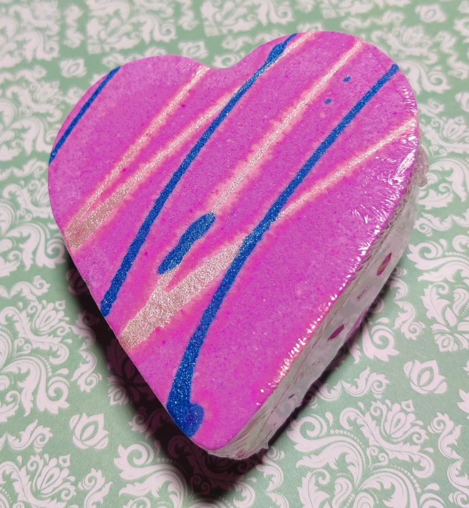 snow pixie bath bomb heart
