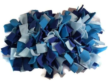 Shades of Blue Mini Fleecy Forage Treat Mat