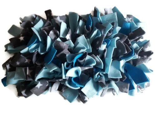 Blue and Grey Stars Mini Fleecy Forage Treat Mat
