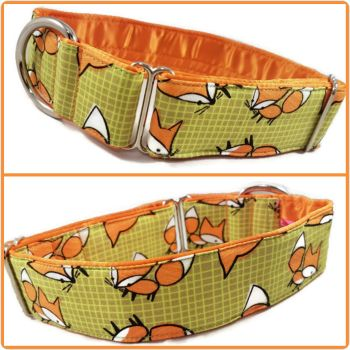 "1.5"" Green Grid Foxes House/Tag Collar"