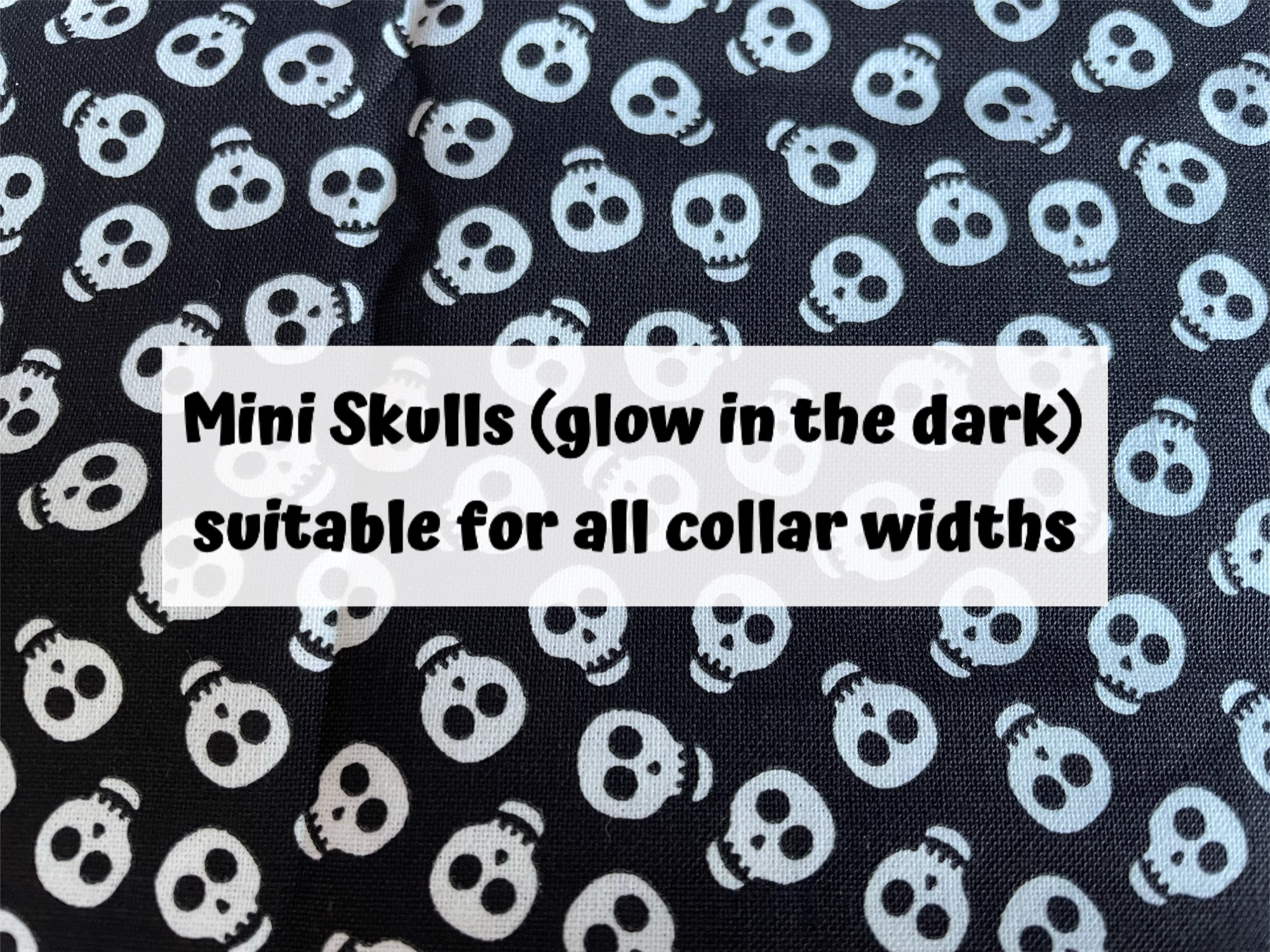 Mini Skulls (glow in the dark)