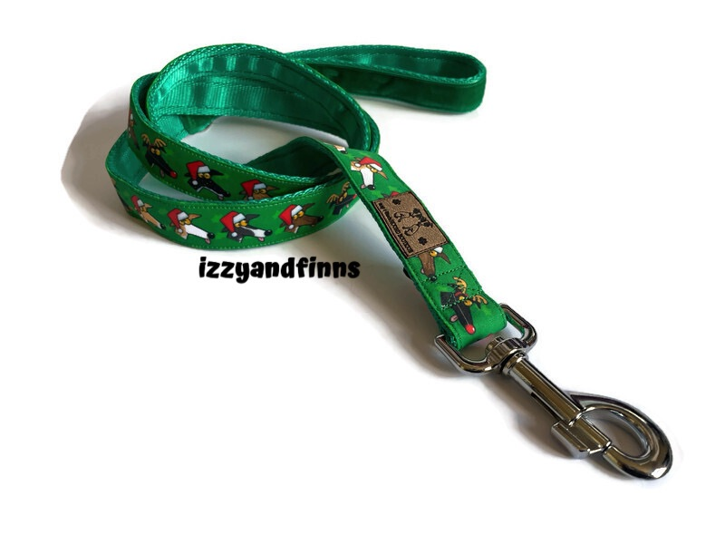 4ft Festive Derps lead with green webbing