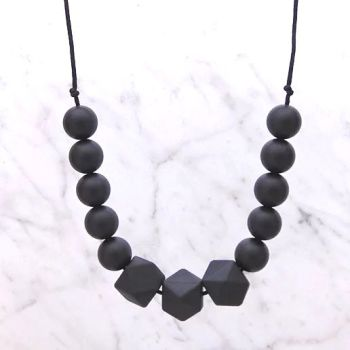 Patience Teething Necklace in Midnight Black