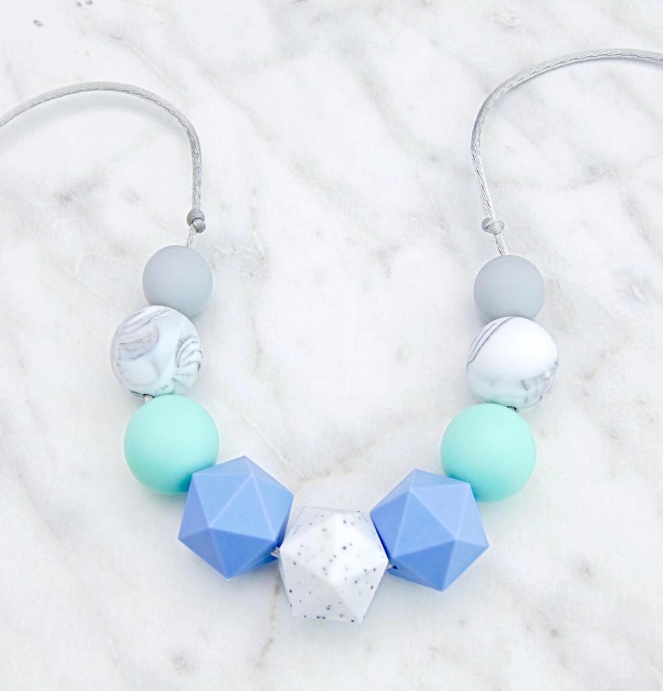 Lyra Teething Necklac, Teething Necklace, Breastfeeding Necklace, Fiddle Ne