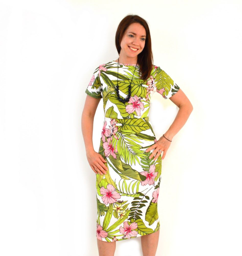 <!-- 105 -->Midi Breastfeeding Dress in Tropical