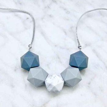Bella Teething Necklace in Grey