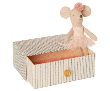 Maileg Little Sister Dance Mouse  in Daybed