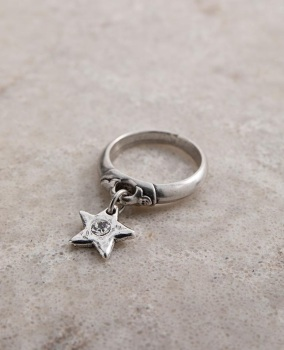 Danon Star Shine Charm Ring