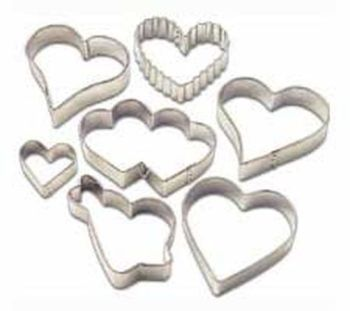 Wilton 7 Piece Hearts Metal Biscuit Cutter Set