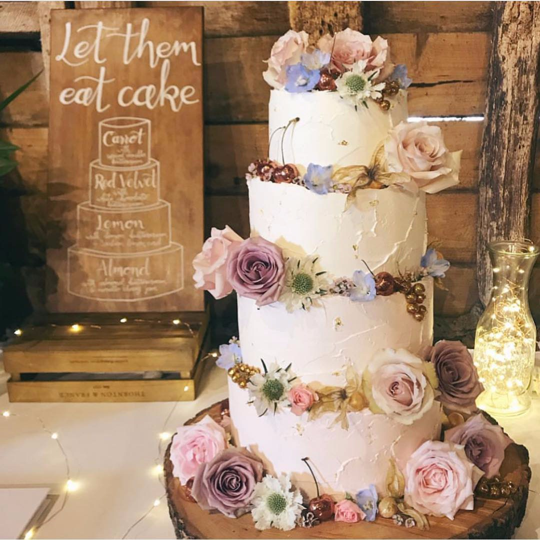 Wooden cake menu