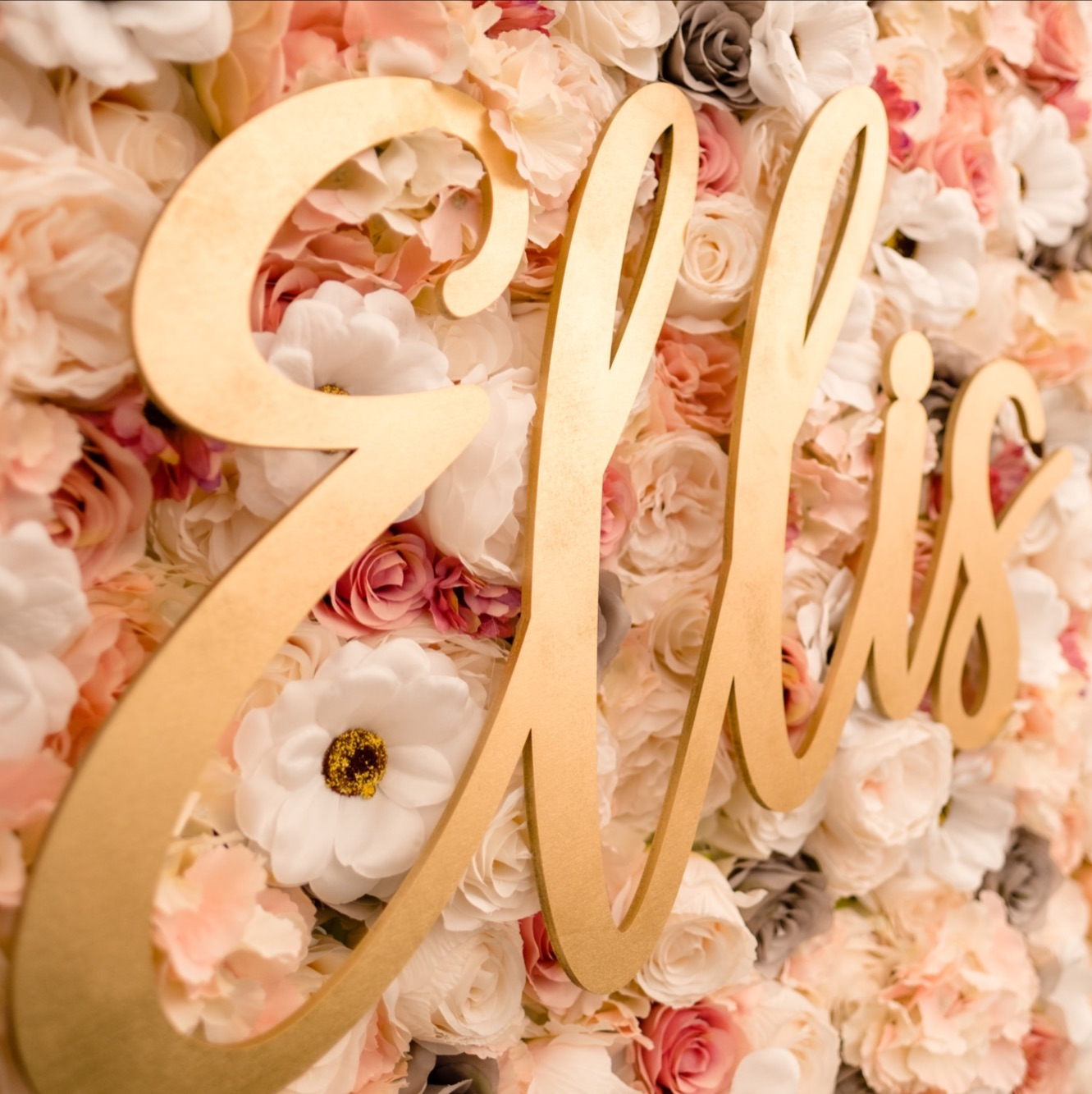 Flower wall lettering for wedding