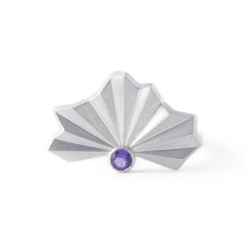 <!-- 026 -->Pleated Silver Fan Ring (with stone)